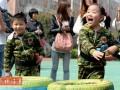 """英媒称中国幼儿园男教师稀缺 导致""""娘娘腔""""男生增多"""