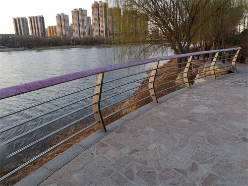 濟南景區木棧道拉索護欄使用壽命長