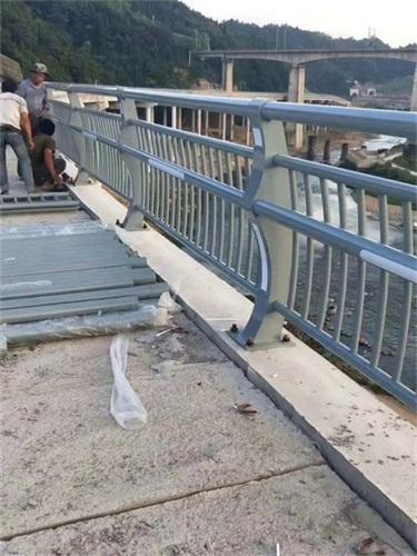 海西橋梁護欄容易清洗